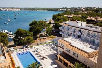 Ola Hotels, Spain